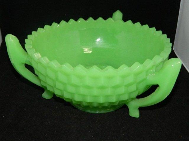 12: Jadeite Centerpiece