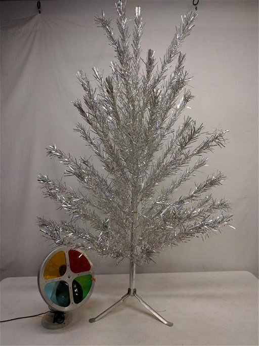 Christmas Tree Colors.Vintage Aluminum Christmas Tree With Color Wheel