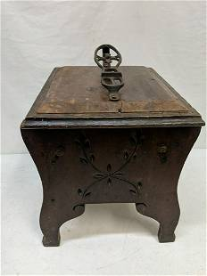 Antique Victorian shoe shine box