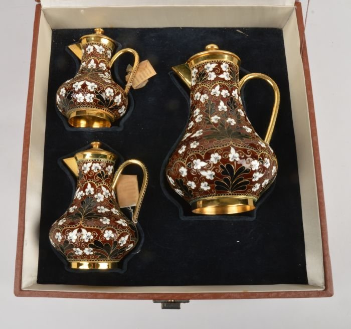 A graduated set of three Soviet Russian silver col