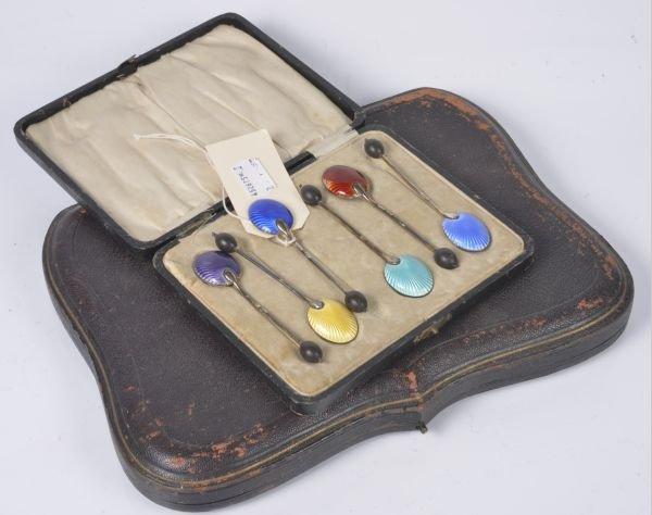 A cased set of twelve Victorian silver coffee spoo