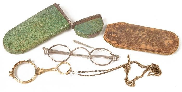 A pair of Georgian silver spectacles with folding
