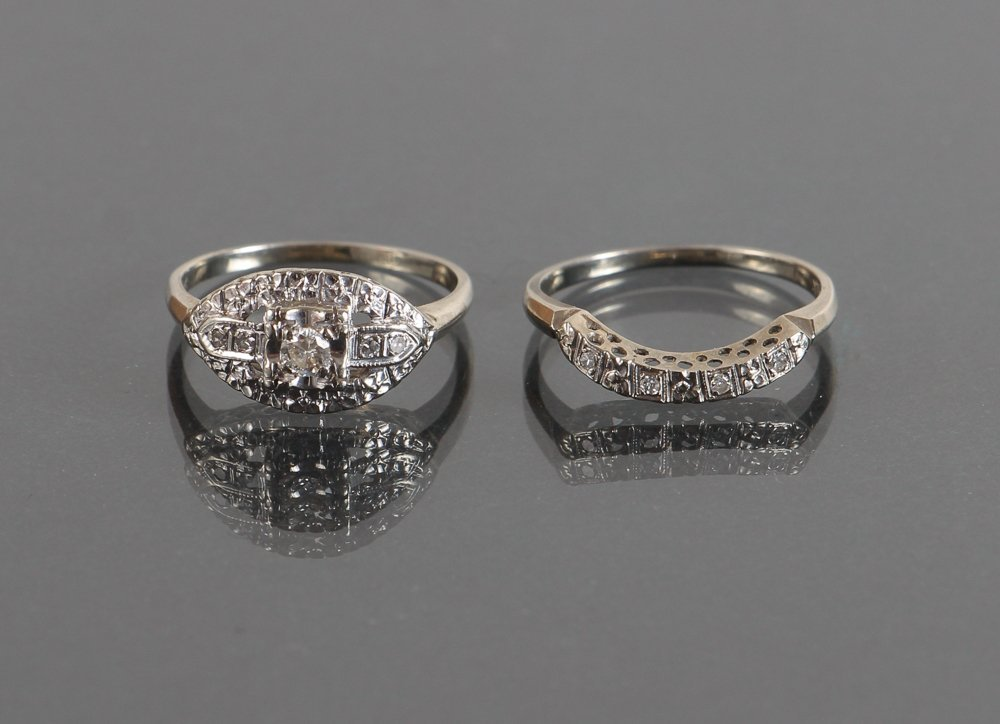 18K White Gold Art Deco Engagement Ring & Curved