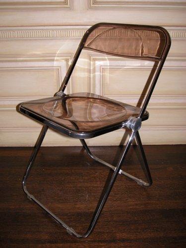 370: 8 Italian plastic and chrome chairs