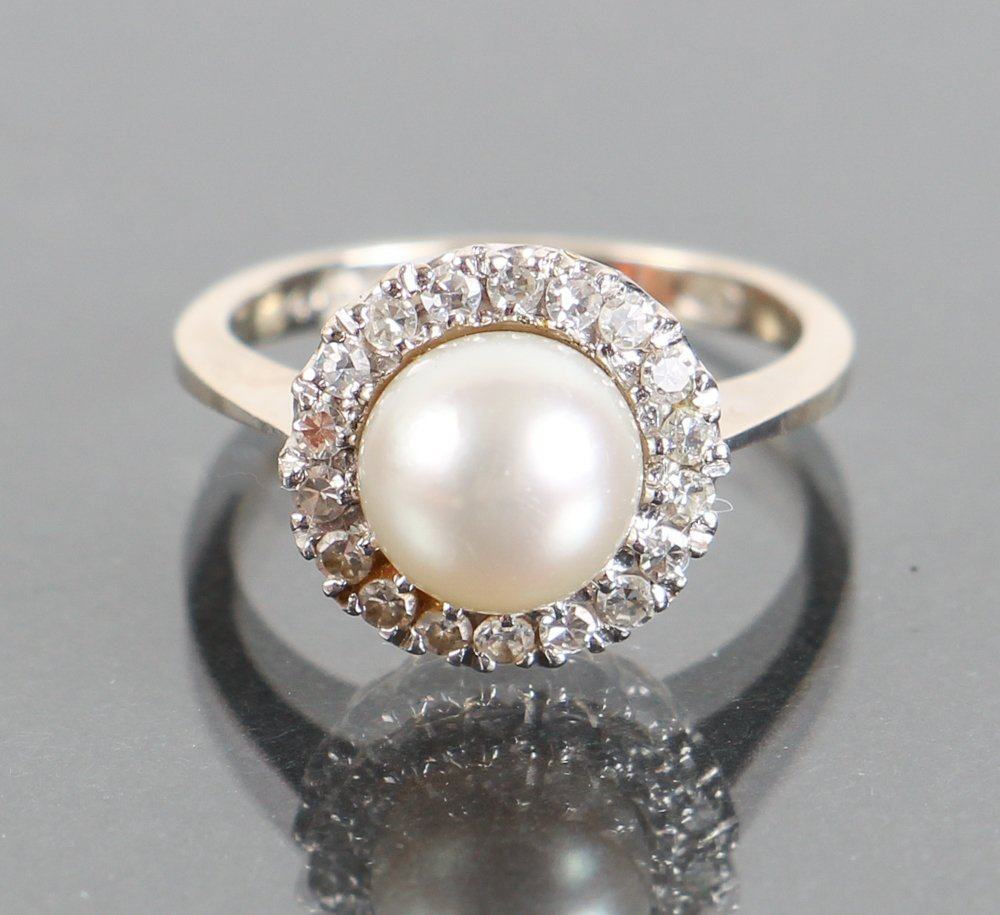 Ladies 14K White Gold, Diamond and Pearl Cocktail Ring