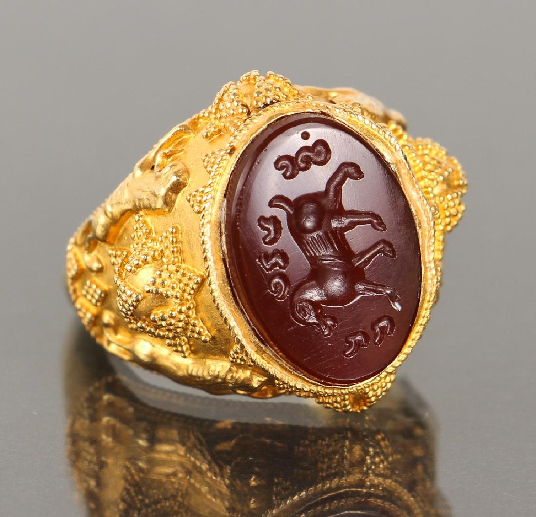 Etruscan Revival Gold and Intaglio Carved Ring - 2