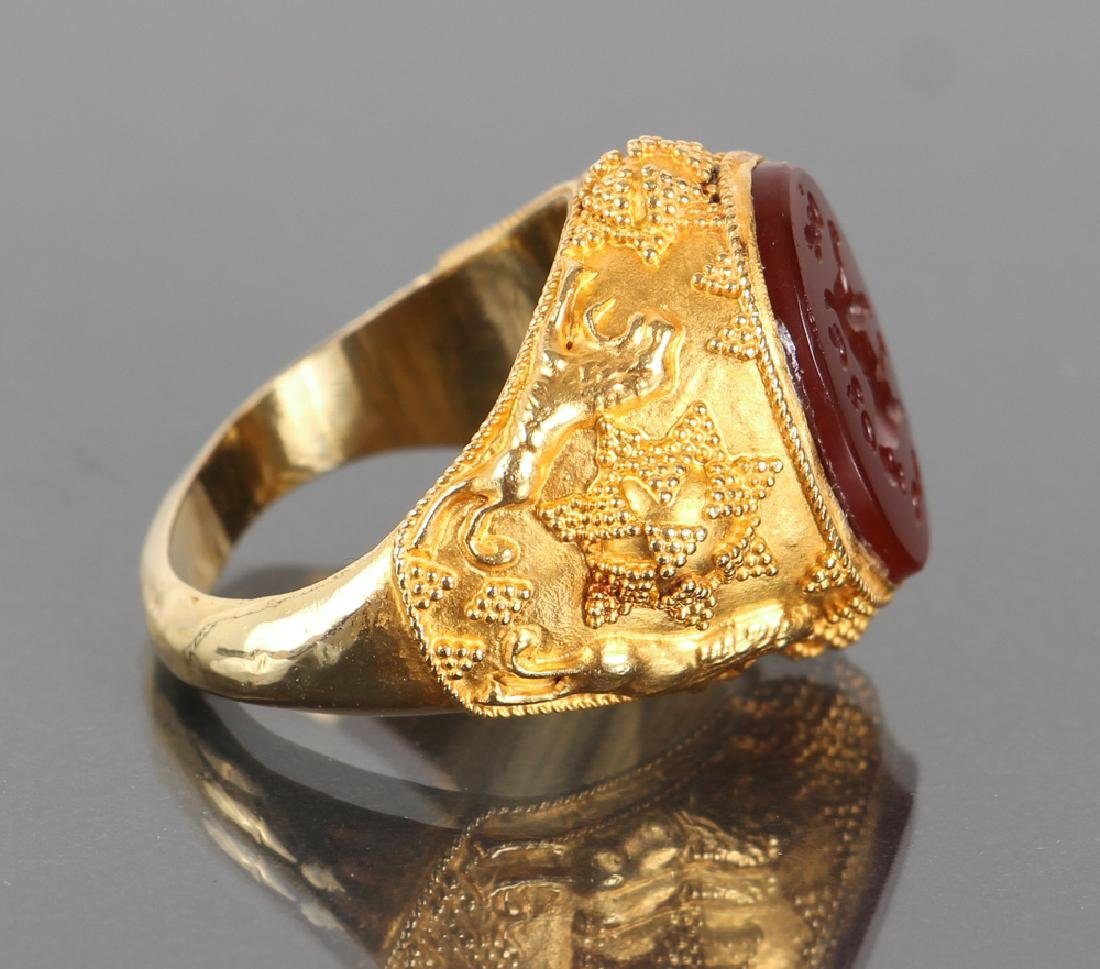Etruscan Revival Gold and Intaglio Carved Ring - 3