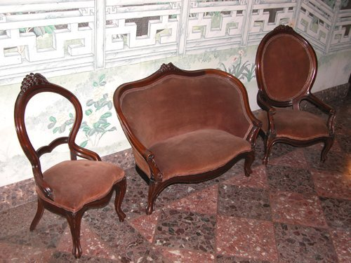 9: 3 Piece Victorian Walnut Child's Size Furniture