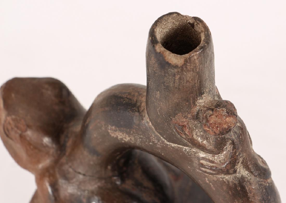 Peruvian Pre-Columbian Black Stirrup 2 Frog Vase - 4