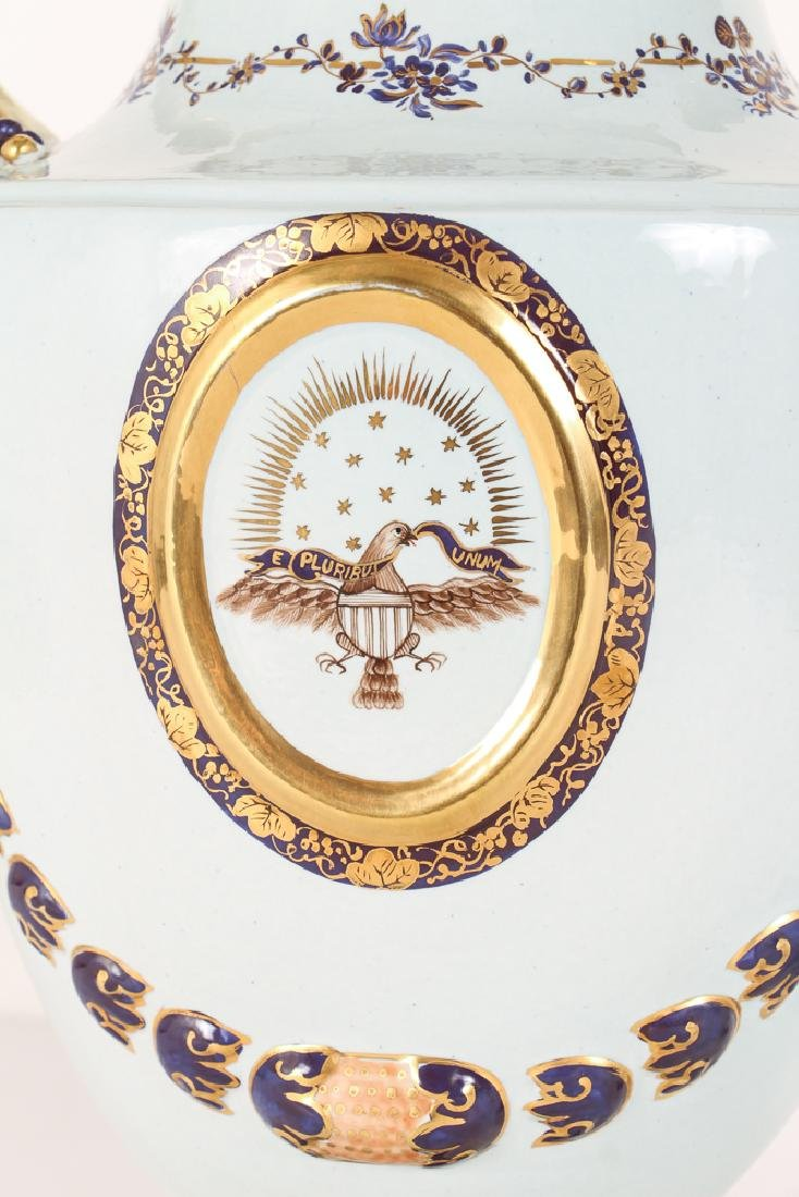 Pair Mottahedeh Lowestoft Federal Eagle Urns - 4
