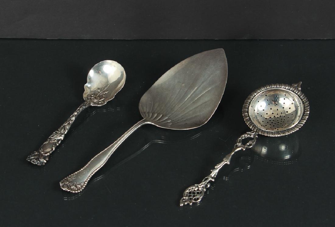 Eighteen Miscellaneous Silver Pieces