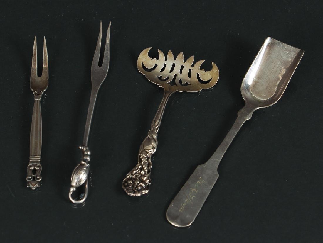 Eighteen Miscellaneous Silver Pieces - 6