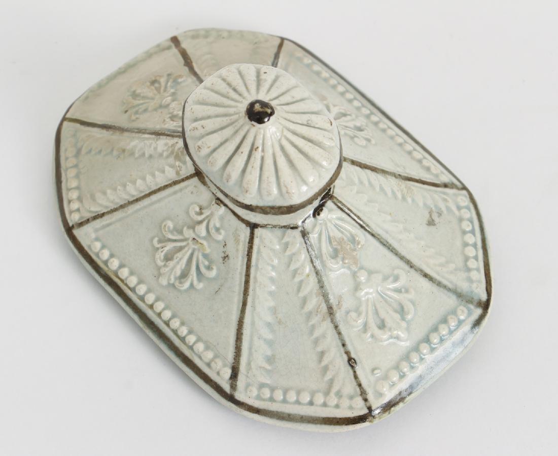 Creamware Covered Sugar with Federal Symbols - 8