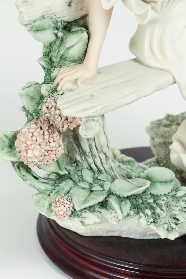 GIUSEPPE ARMANI porcelain figure To Tell a Tale - 8