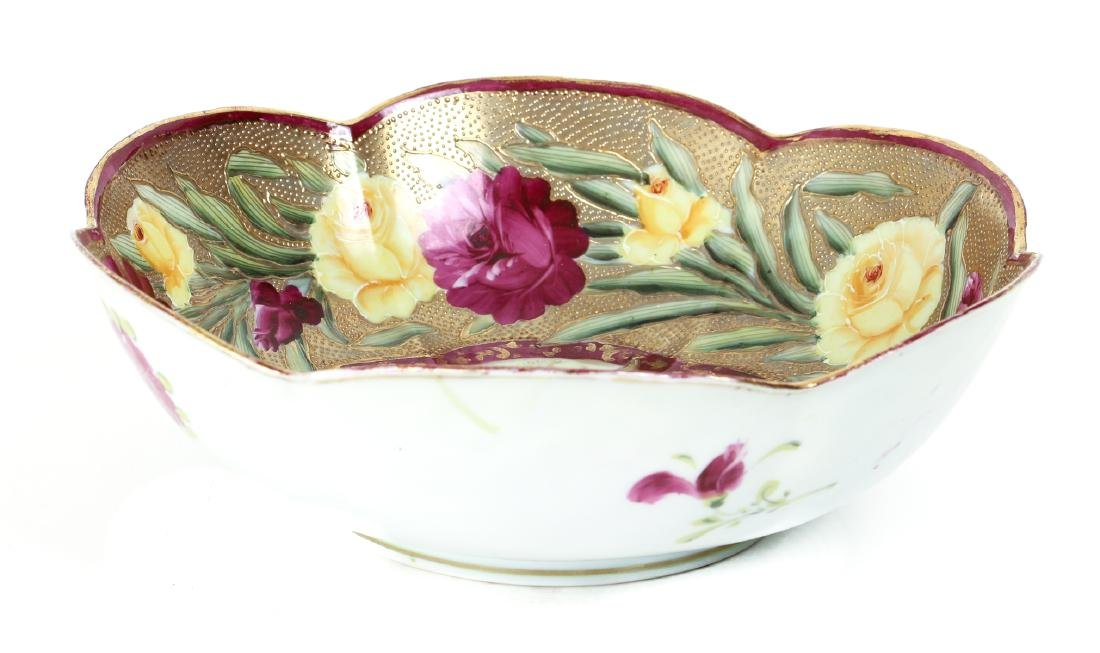 Japanese Pottery Bowl with Roses and Gilt Decoration