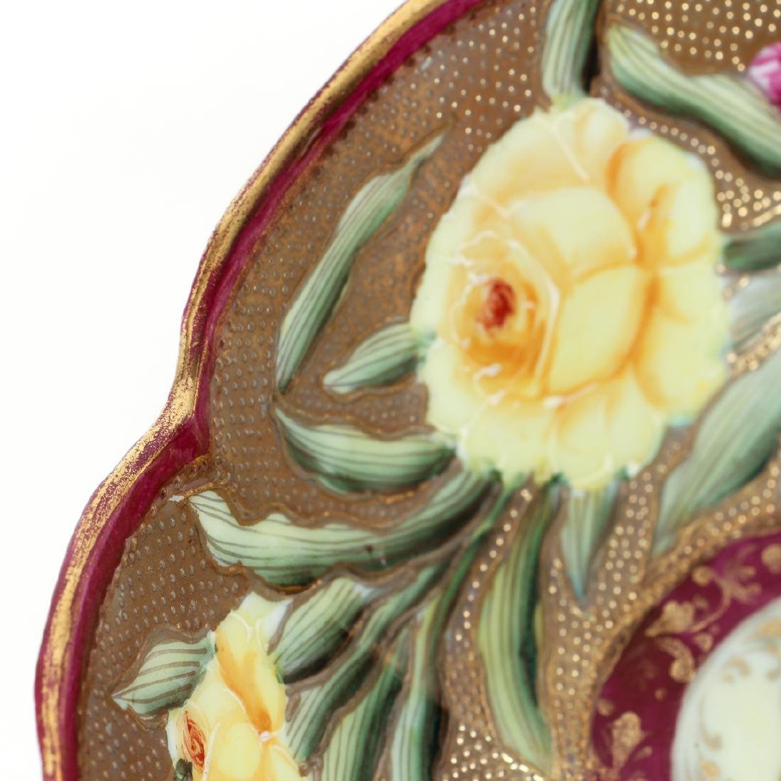 Japanese Pottery Bowl with Roses and Gilt Decoration - 8