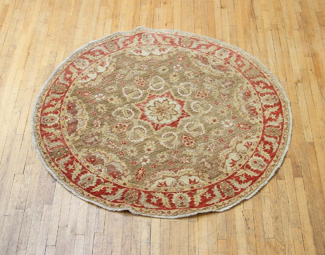 Round Arts and Crafts Style Carpet