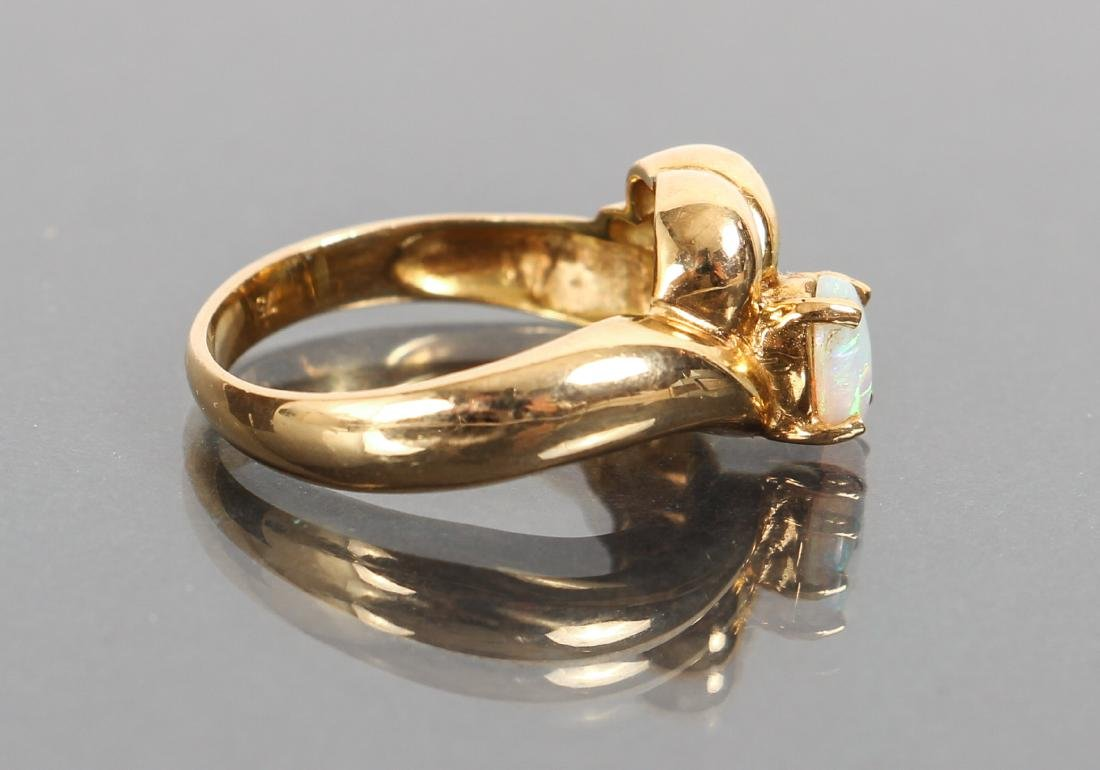 18 K Gold and Opal Ring - 2