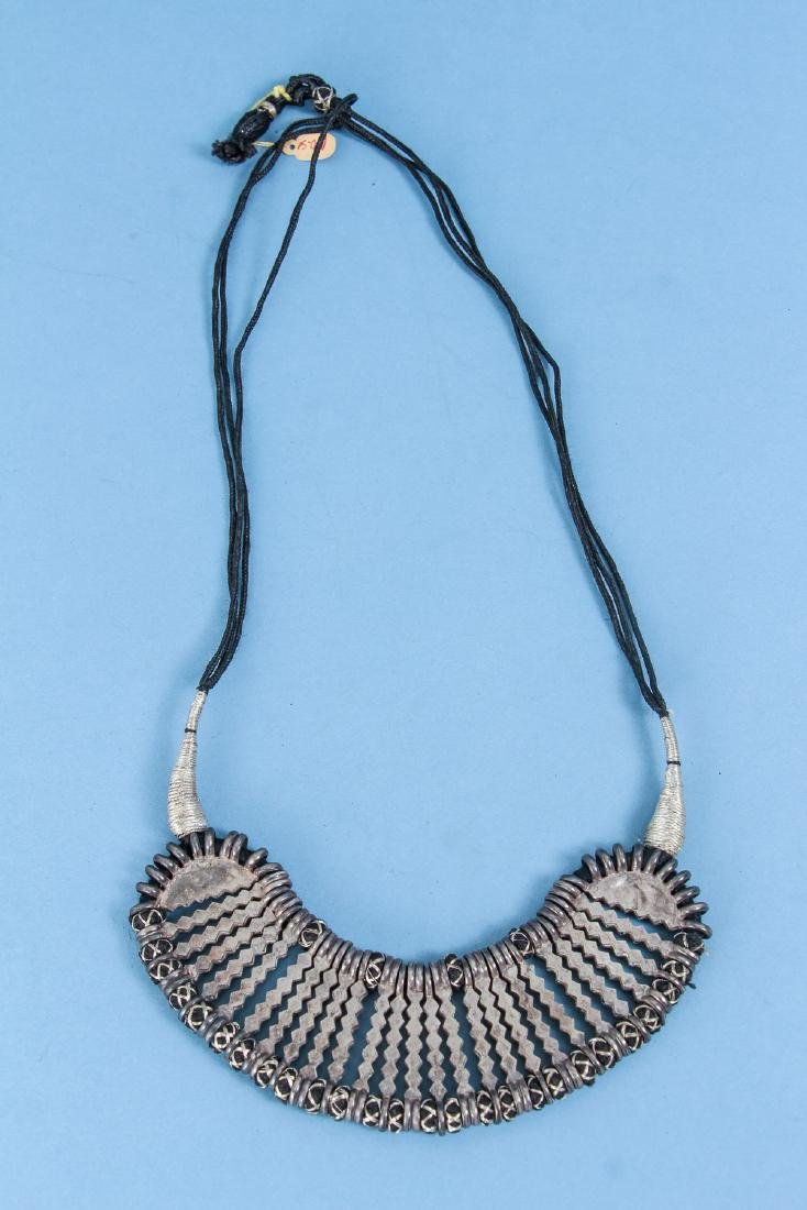 Four Antique Indian Silver Choker Necklace - 4