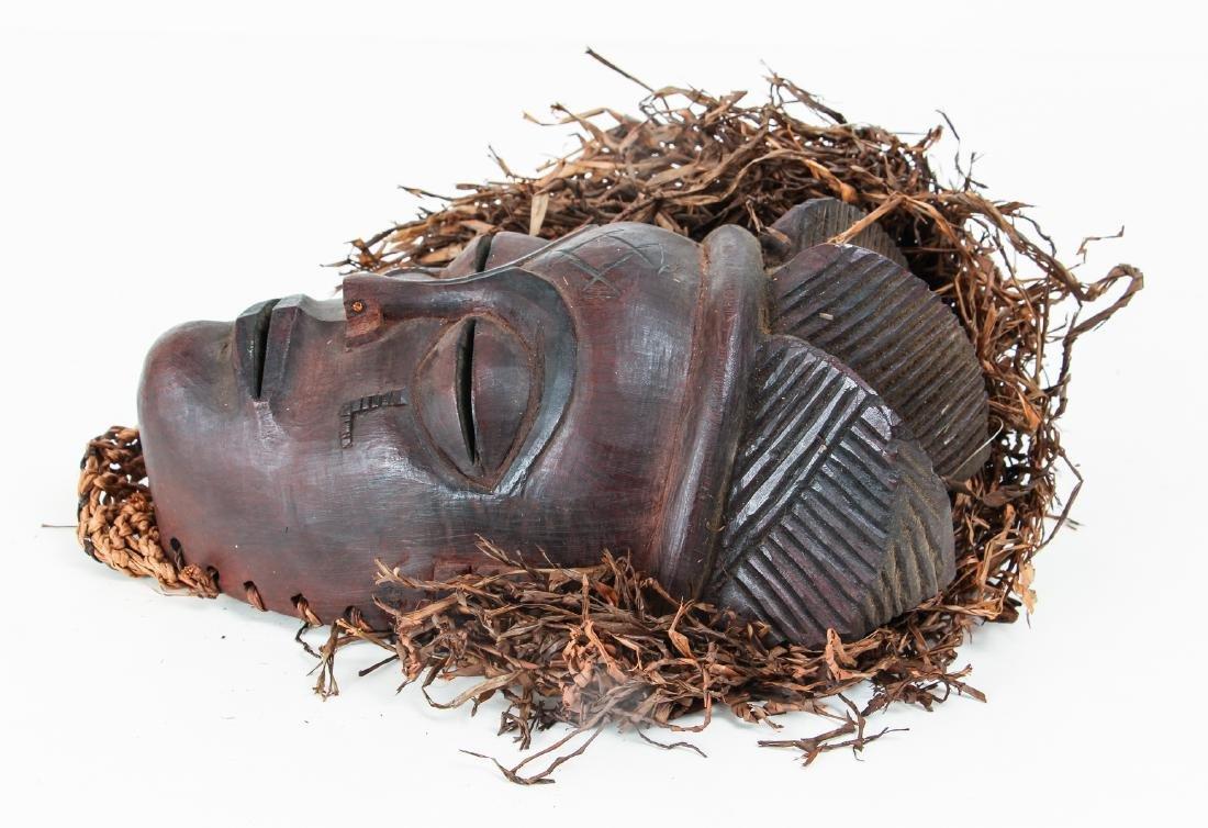 20th Century Chockwe Mask, - 5