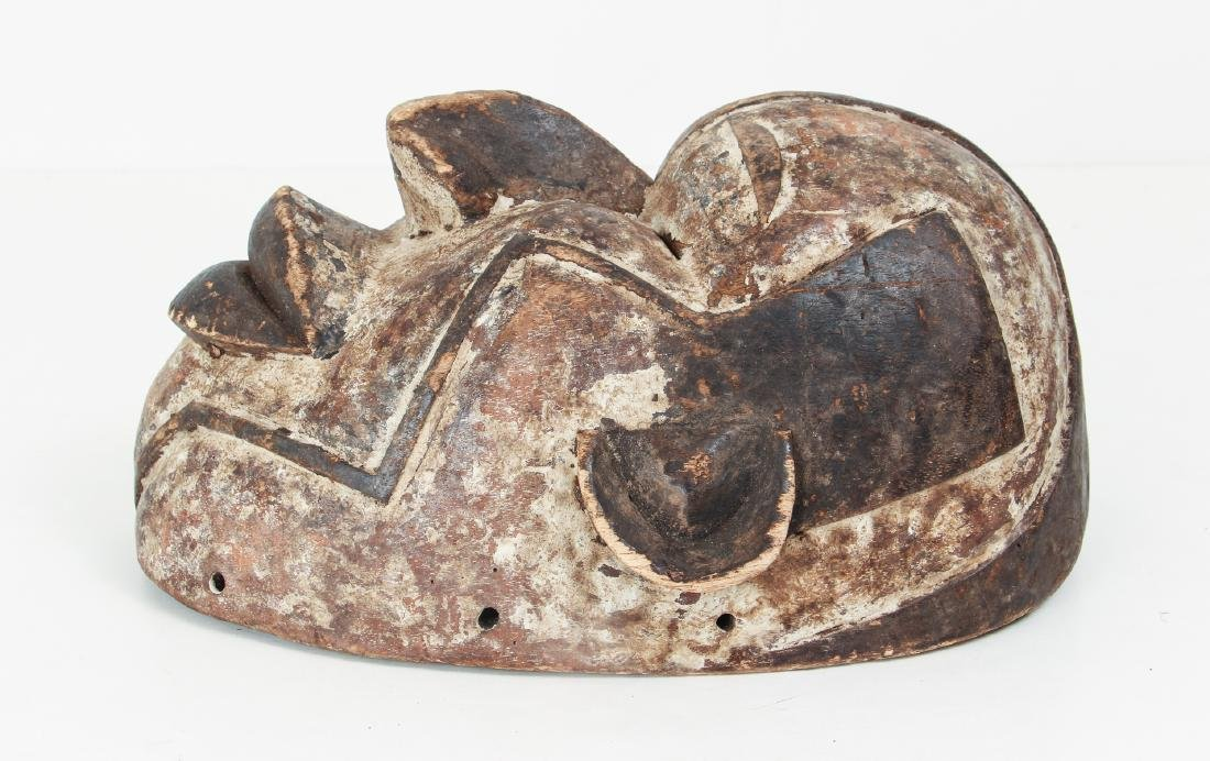 African Mask Laughing with geometric decoration - 5
