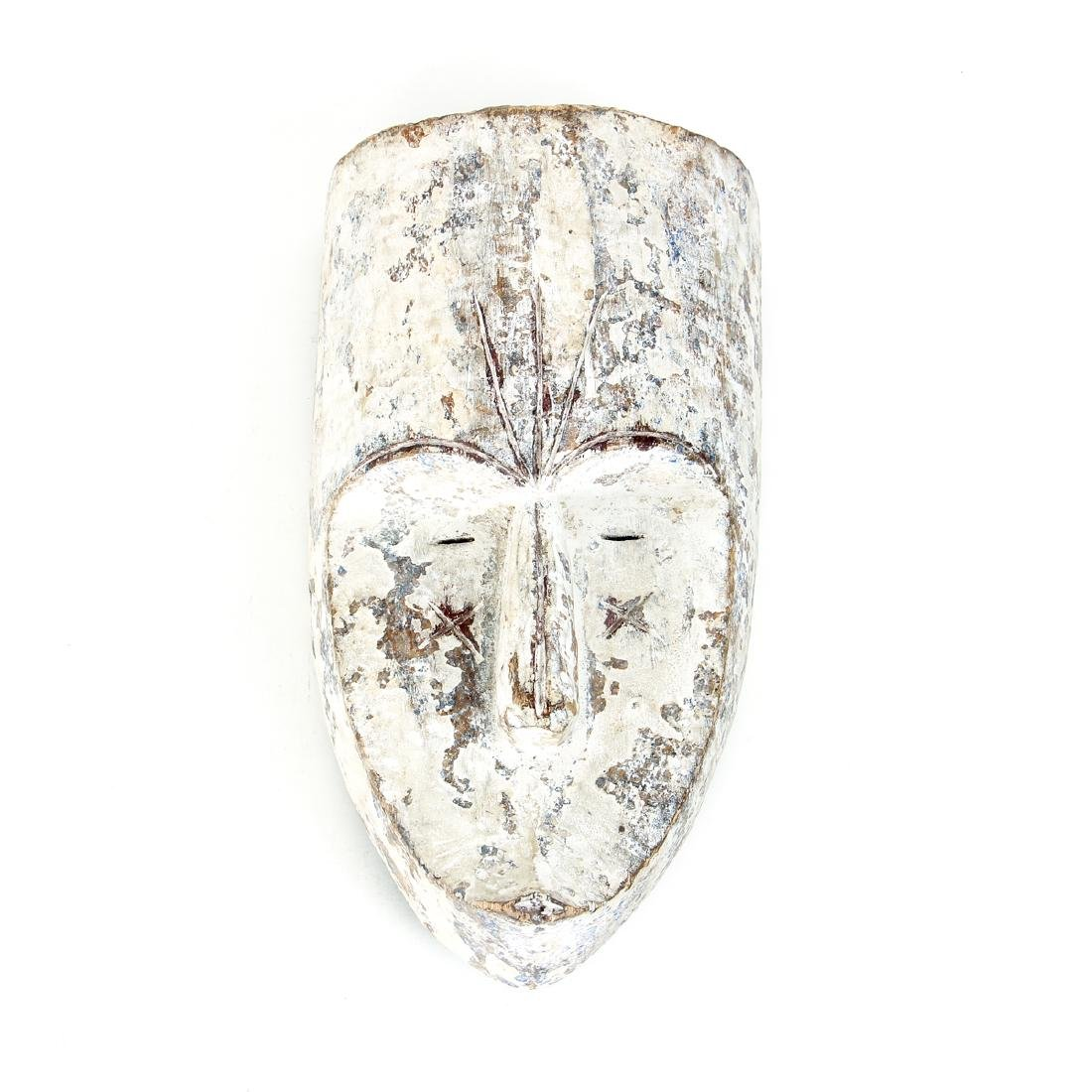 Fang Nigil Mask with Kaolin Pigment