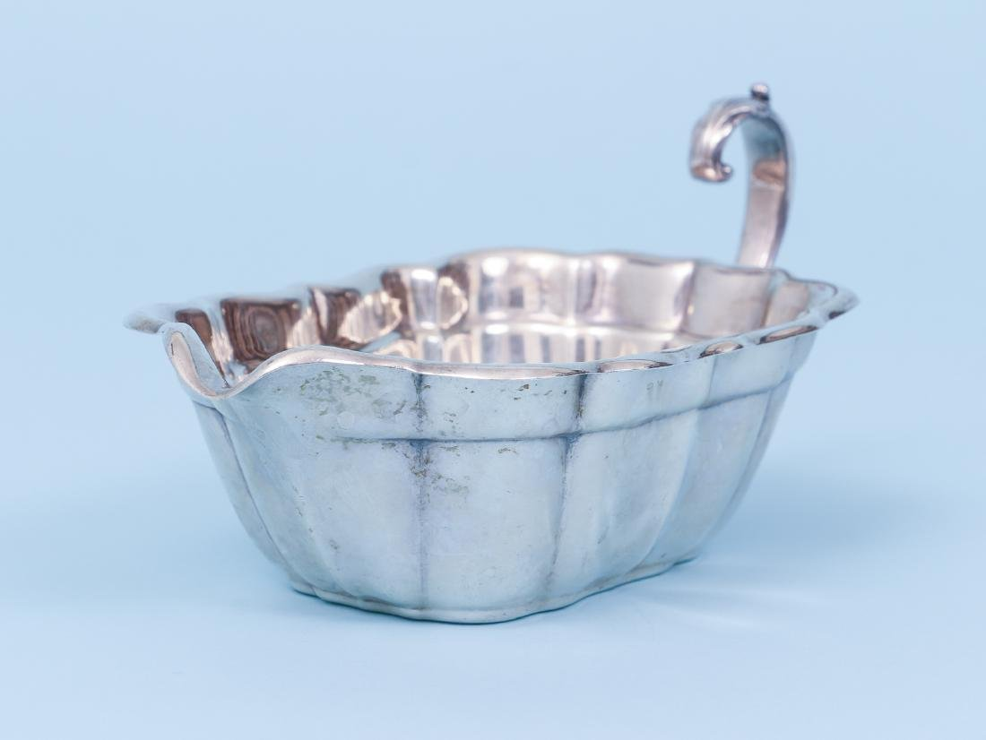 Reed and Barton Sterling Silver Sauce Boat - 5