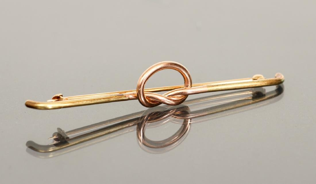 14 K Gold Knot Form Pin