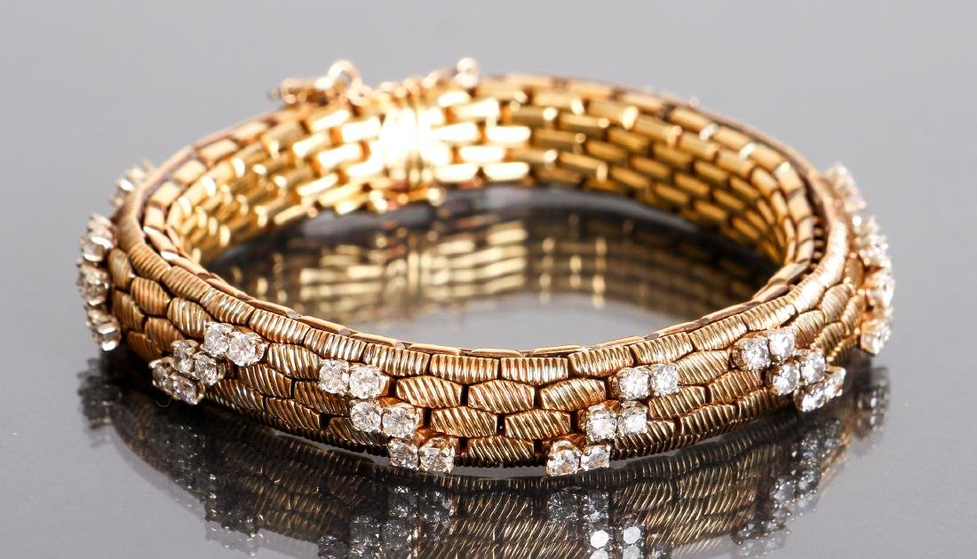 18K Gold and Diamond Italian Bracelet