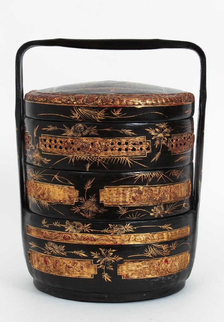 Three Section lacquered and gilded Chinese Lunch Box - 3