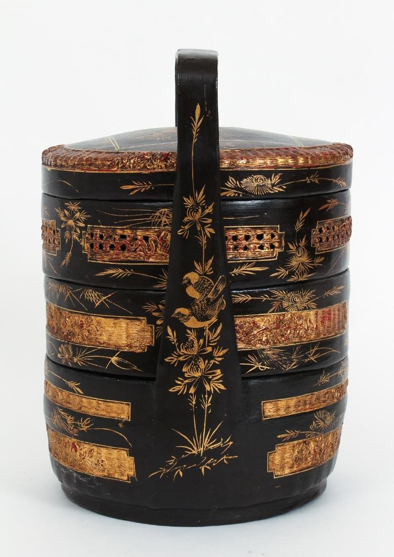 Three Section lacquered and gilded Chinese Lunch Box - 4