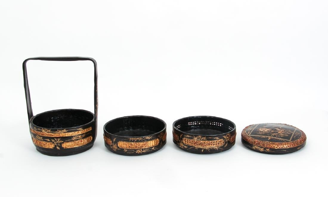 Three Section lacquered and gilded Chinese Lunch Box - 5