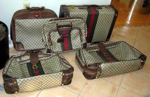 052b5ce090c 508  Vintage Gucci luggage set 5 piece