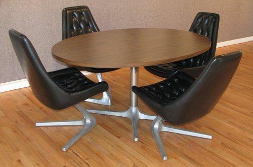 81C: 4 Chromcraft Star Trek Chairs with Round Table