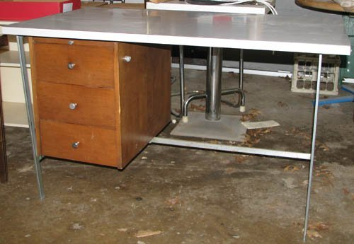 511: Mid Century Modern Desk with Laminate Top