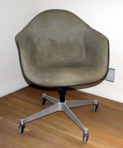 518: Eames Swivel Office Chair with Tweed Upholstery