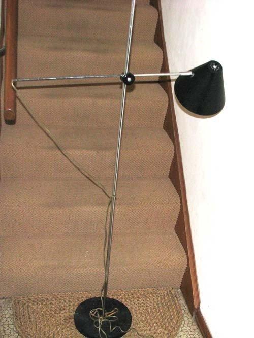 13: Modern Adjustable Long Arm Lamp