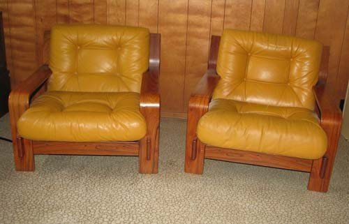 15: Pair of Finnish Modern Leather Chairs