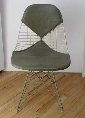 40: Charles and Ray Eames Bikini Wire chair with Eiffel