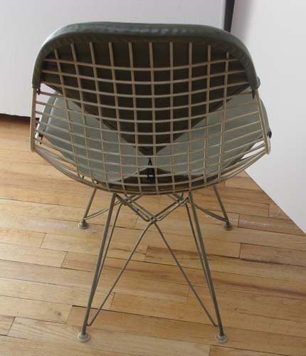 40: Charles and Ray Eames Bikini Wire chair with Eiffel - 3