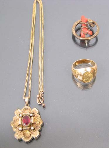 504: 3 pieces of antiq. costume jewelry incl. gold ring