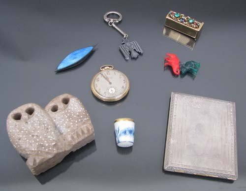509: Assorted collectables including carving of owl