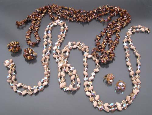 516: 2 costume beaded necklaces with matching clip on e
