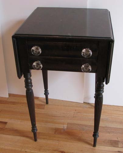 668: Victorian Drop Leaf Table with 2 Drawers