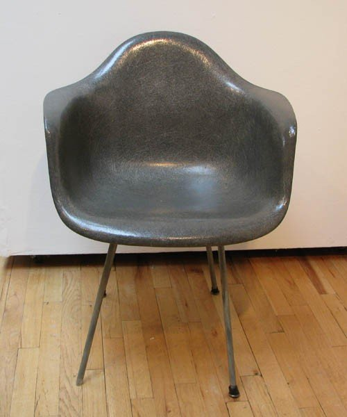 13: Eames Shell Chair in Grey