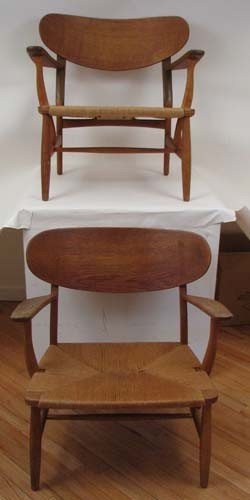 15: 2 Hans Wegner Vintage Lounge Chairs