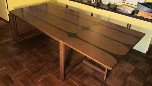 24: Modern dining room table Possibly Poul Cadovius