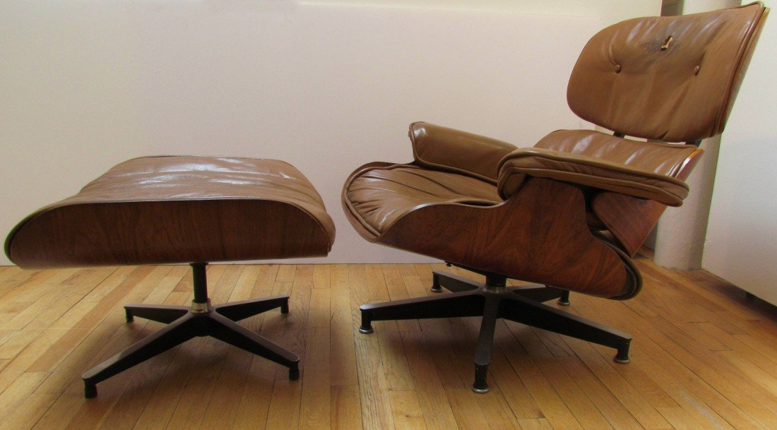 111: Eames Lounge Chair and Ottoman