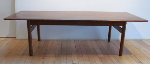 510: DUX Coffee Table