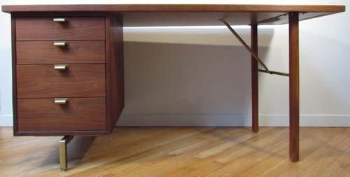 455: Trapezoidal Desk with white laminate top